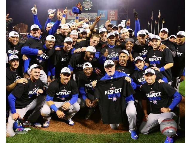 The Chicago Cubs celebrate winning Game 4 of the 2016 National League  Division Series Photo Print (8 x 10) - Newegg com