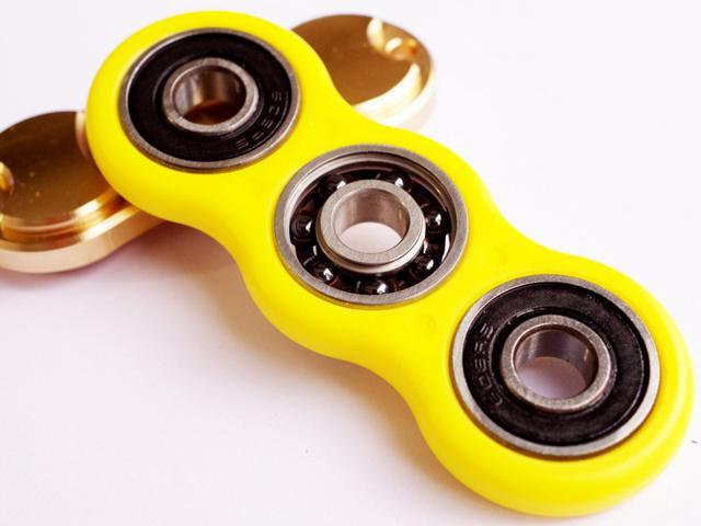 Tri Spinner Hand spinner Fidget Spinner For Autism ADHD EDC DESK Yellow