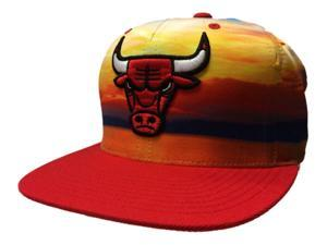 8aab6bf2edb Chicago Bulls Mitchell   Ness Sunset Adjustable Snapback Flat Bill Hat Cap