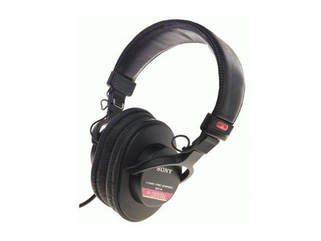 1e9fab100b0 SONY MDR-V6 3.5mm/ 6.3mm Connector Circumaural Studio Monitor Series  Headphone - Newegg.com