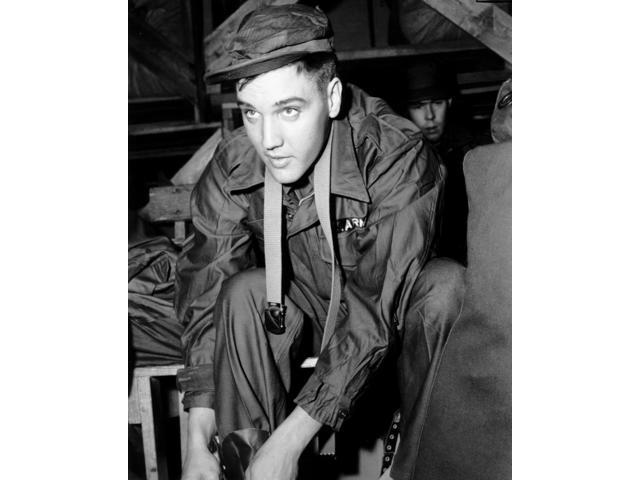 Private Elvis Presley In Fort Chaffee Arkansas March 26 1958 Photo Print (8  x 10) - Newegg com