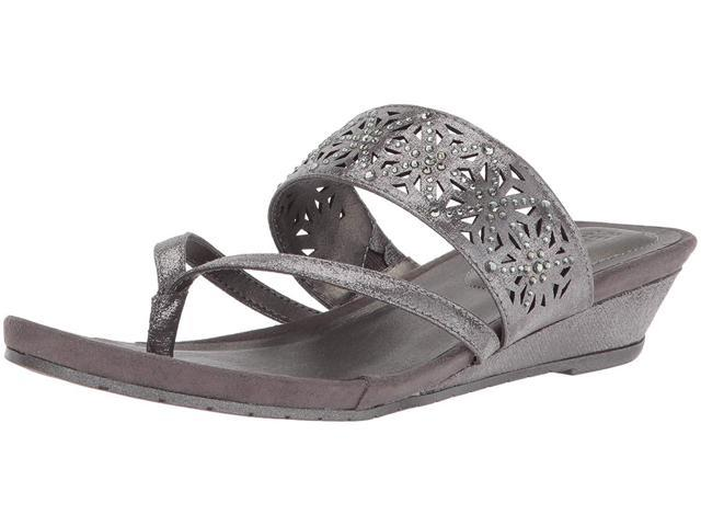 78a63c3216 Kenneth Cole REACTION Women's Chime Low Wedge Thong Sandal, Pewter, Size 9.5