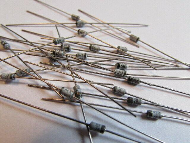 0.5W Zener Diodes New Old Stock Quantity 5/% 20 Pieces USA 1N973B Motorola 33V