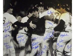 Boston Red Sox signed 16x20 B&W Photo 1986 AL Champs w/ 19 Signatures