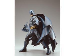batman deluxe vinyl statue by kotobukiya