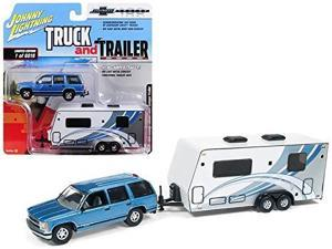 johnny lightning 1:64 truck and trailer  chevrolet tahoe with camper die cast vehicle, blue/white
