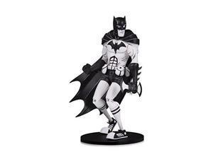 dc artists alley: batman by hainanu nooligan saulque black & white version designer vinyl figure