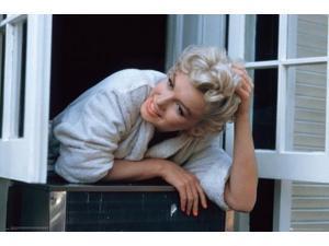 Marilyn Monroe - Window Ledge Poster Print (36 x 24)