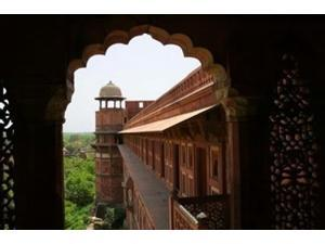 Architecture of Agra Fort, India Poster Print by Keren Su (36 x 24)