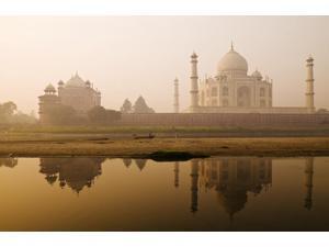 Taj Mahal In Early Morning Agra India Poster Print (18 x 11)