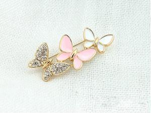 Shining Alloy Rhinestone Butterfly Echoes Costume Crown Brooch Decorative Brooch Pin for Woman Girl