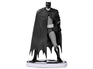 DC Collectibles: Batman Black and White - Batman by David Mazzucchelli Statue