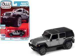 "2018 Jeep Wrangler Unlimited Sahara (4-door) Billet Silver Metallic with Black Top ""Sport Utility"" Ltd Ed 8816 pcs 1/64 Diecast Model Car by Autoworld"