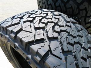 265/50R20 117/114S E (10 Ply) - Venom Power Terra Hunter X/T All-Terrain Tire