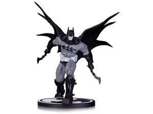dc collectibles batman: black and white: batman by carlos d'anda statue