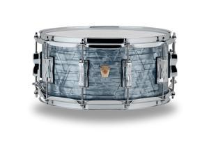 Ludwig Classic Maple Snare Drum 14 x 5 in. Sky Blue Pearl
